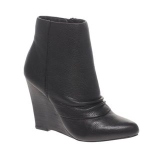 Report Elvis Black Leather Ankle Booties Wedges 7